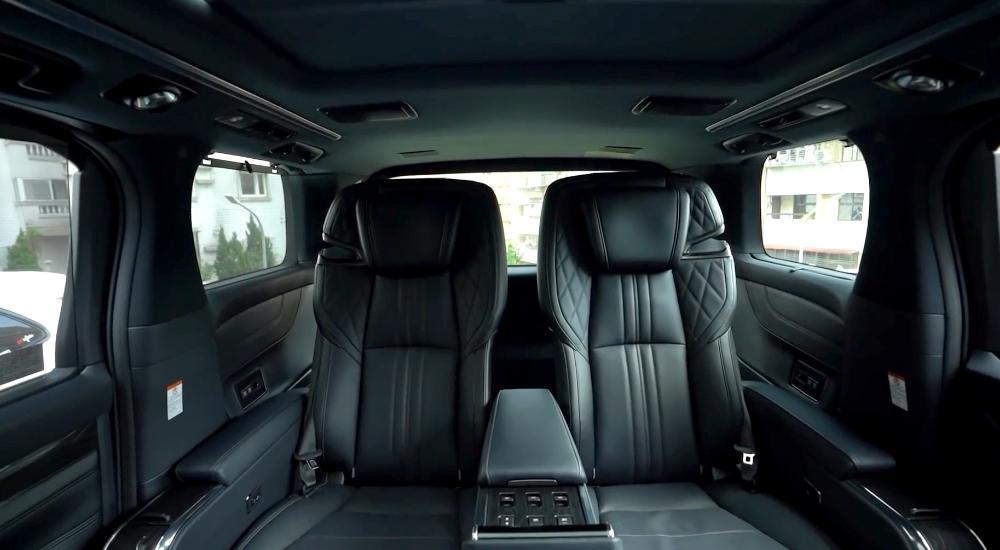 nội thất Lexus LM300H 2021 4 chỗ