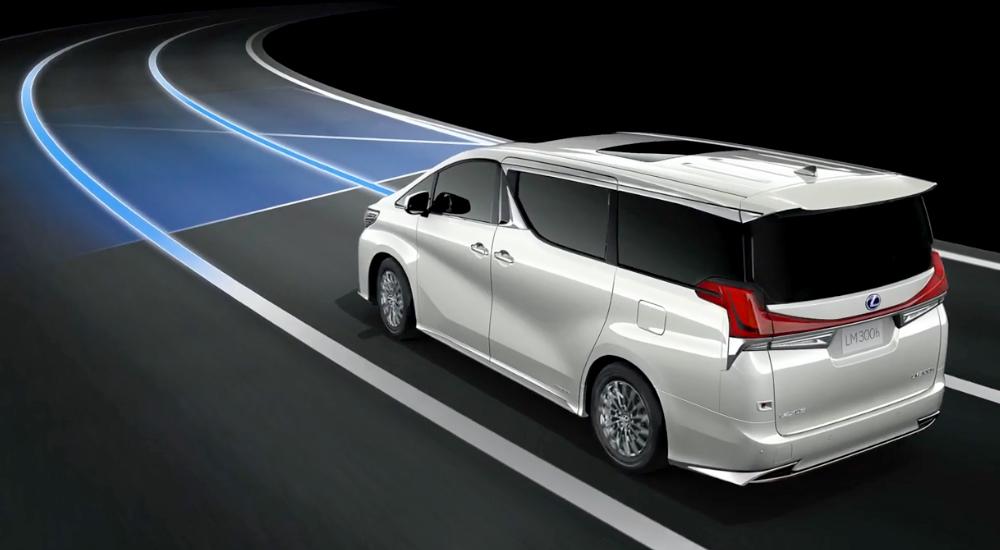 an toàn Lexus lm300h 2021